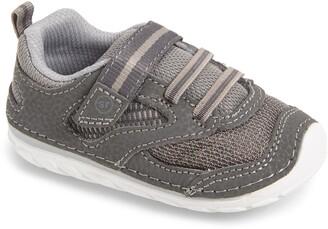 Stride Rite Adrian Soft Motion(TM) Sneaker