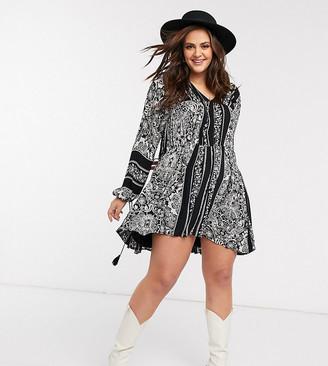 En Crème Plus En Creme plus swing dress with drop waist and volume sleeves in paisley print