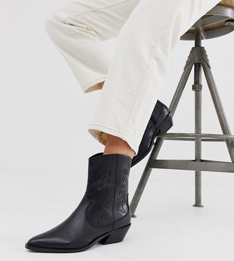 Asos Design DESIGN Wide Fit Autumnal leather cowboy boots in black