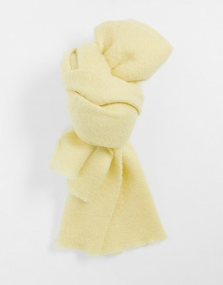 And other stories & knitted scarf in yellow