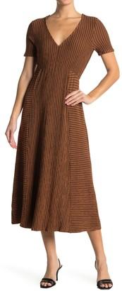 Kenedik Texture Stripe Print Knit Midi Dress