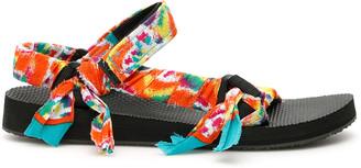 Arizona Love Tie-dye Trekky Sandals