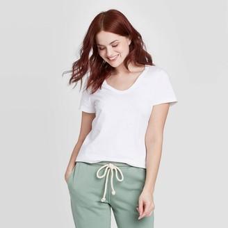 Universal Thread Women's Short Sleeve V-Neck T-Shirt - Universal ThreadTM