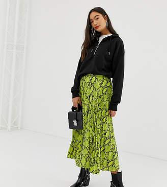 New Look pleated midi skirt in neon snake print-Green