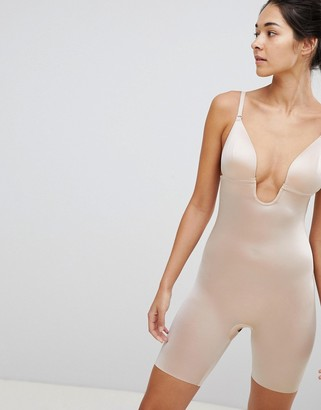 Spanx Suit Your Fancy Low Back Mid Thigh Smoothing Body in beige