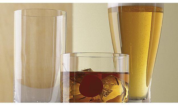 Crate & Barrel Direction 17 oz. Pilsner Beer Glass