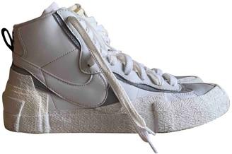 Nike X Sacaã ̄ Nike X SacaA Blazer Mid White Leather Trainers