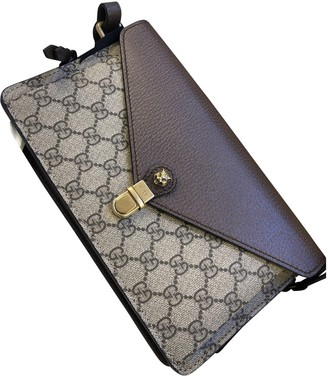 Gucci Animalier Beige Cloth Clutch bags