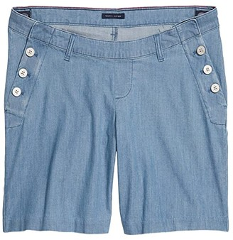 Tommy Hilfiger Adaptive Stretch Shorts Seated Fit with VELCRO(r) brand Closure and Magnetic Fly (Light Wash) Women's Shorts