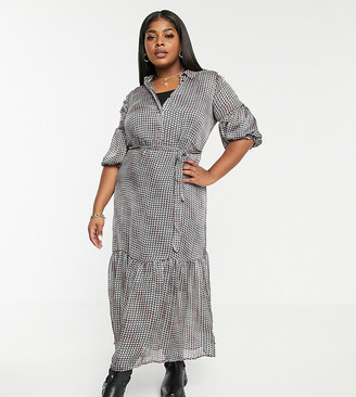 Vero Moda Curve maxi dress with drop hem in houndstooth