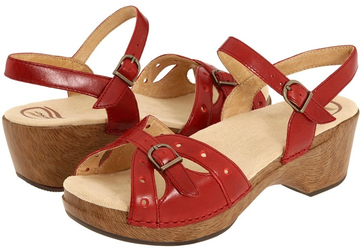 Dansko Sissy (Crimson Veg) - Footwear