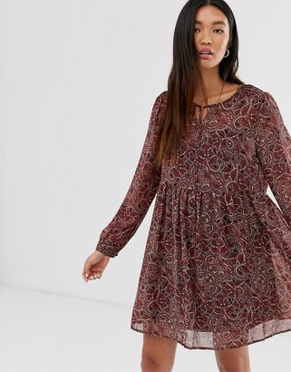 Only chiffon dress in Paisley print