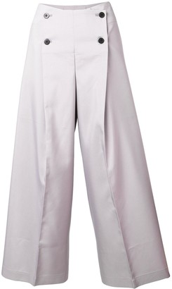 132 5. ISSEY MIYAKE Cropped Buttoned Trousers