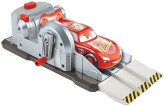 Disney Lightning McQueen Stuntin' Skills Playset