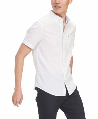 Tommy Hilfiger Men's Short Sleeve-Button Down Shirt in Custom Fit