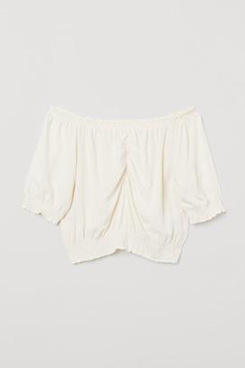 H&M Short off-the-shoulder blouse