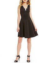 Donna Ricco V-Neck Sleeveless Solid Scuba Sheath Dress