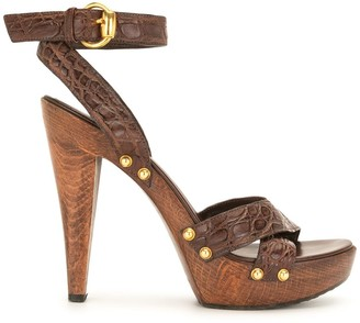 Gucci Pre-Owned 135mm Crocodile-Effect Sandals