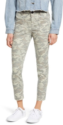 1822 Denim Camo Print Patch Pocket Raw Hem Skinny Jeans