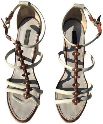 Louis Vuitton Beige Patent leather Espadrilles