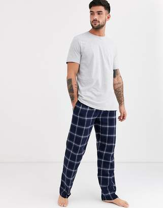 New Look short sleeve t-shirt and check jogger lounge set in black