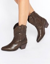 Glamorous Brown Western Boots