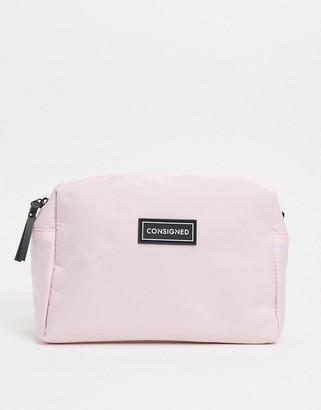 Consigned make up bag in light pink