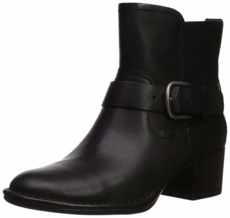 UGG Women's Atwood Ankle Boot