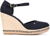 Tommy Hilfiger buckled wedge sandals - women - Cotton/rubber - 36
