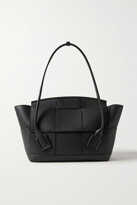 Bottega Veneta Arco Medium Intrecciato Leather Tote - Black
