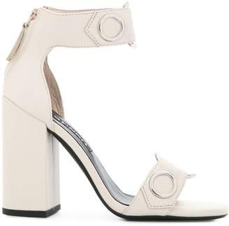 Senso chunky heel eyelet sandal