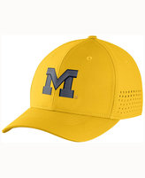 Nike Michigan Wolverines Vapor Sideline Swoosh Flex Cap