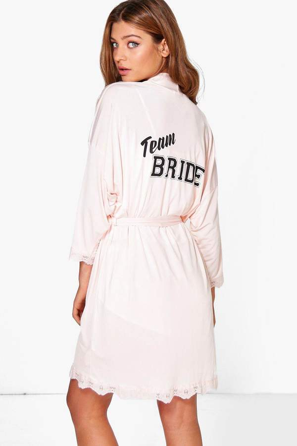 boohoo Daisy Team Bride Slogan Bridal Robe