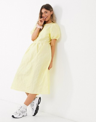 Pieces midi smock dress in taffeta with puff sleeves in yellow