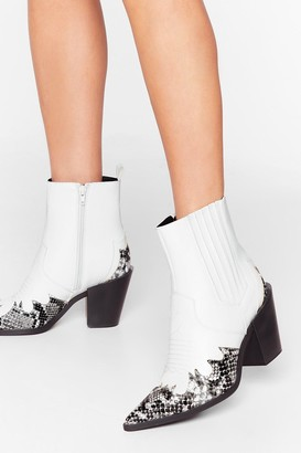 Nasty Gal Womens Snake a Look Faux Leather Western Boots - White