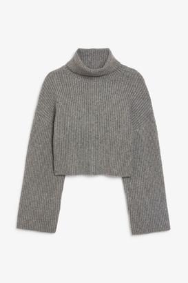 Monki Cropped heavy knit sweater