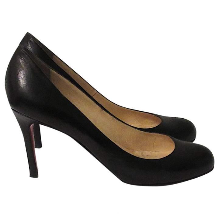 Christian Louboutin SImple pump leather heels