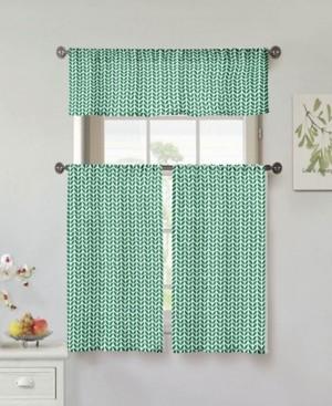 Duck River Textile Filip Leaf Print 3-Piece Kitchen Curtain Set