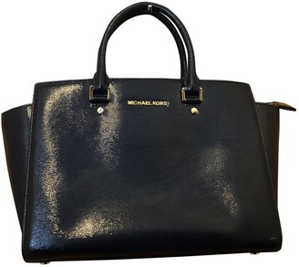 Michael Kors Selma Navy Patent leather Handbags
