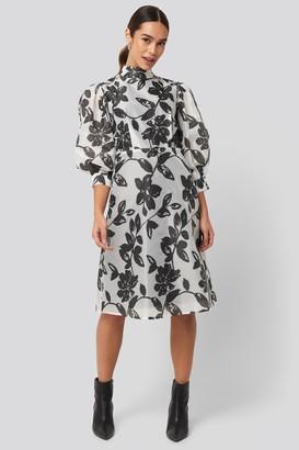 NA-KD High Neck Puff Quarter Sleeve Dress