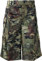 Givenchy camouflage printed Bermuda shorts - men - Cotton/Polyamide/Cupro - 46