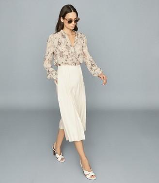 Reiss AURORA Pleated culotte trousers Cream