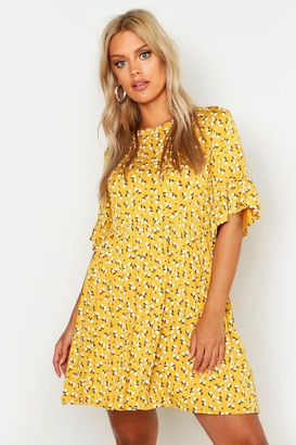 boohoo Plus Ditsy Floral Smock Dress