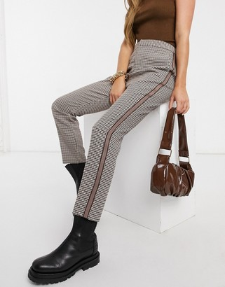 BB Dakota check trousers with side stripe in brown