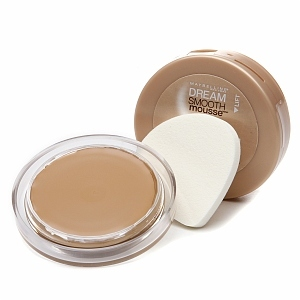 Maybelline Dream Smooth Mousse Ultra Hydrating, Cream Whipped Foundation, Classic Ivory 150