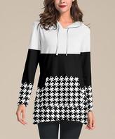 Nanu Women's Tunics Black - Black & White Houndstooth Hooded Kangaroo-Pocket Tunic - Women & Plus