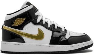 Nike Kids Air Jordan 1 Mid SE (GS) black gold patent leather
