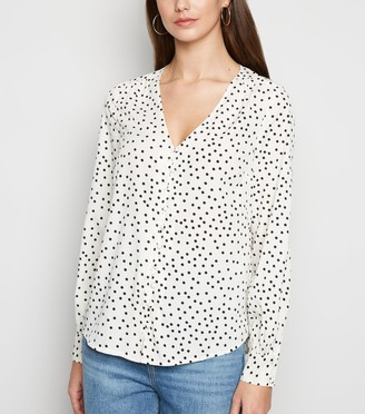 New Look Off Spot Button Front Blouse