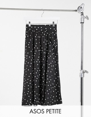 ASOS DESIGN Petite midi skirt with pockets in mono spot print