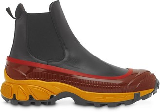 Burberry contrast sole Chelsea boots